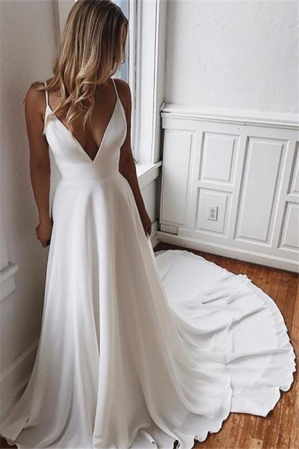 robe de mariée longue col V dos nu avec traîne