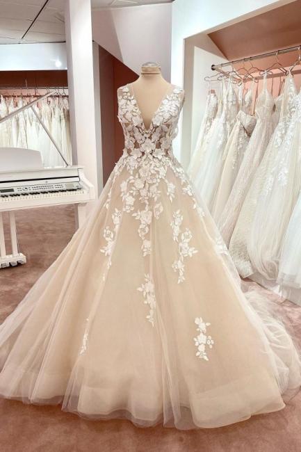 Dentelle de robe de mariée simple | Robe de mariée décolleté V ligne A