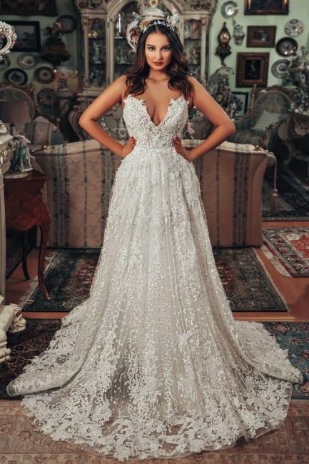 Superbes robes de mariée Une ligne   Robes de mariée en dentelle