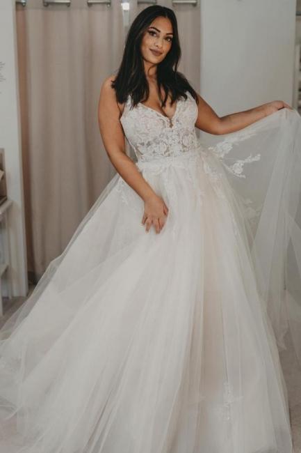 Robes de mariée élégantes en tulle   Robes de mariée Une ligne en dentelle