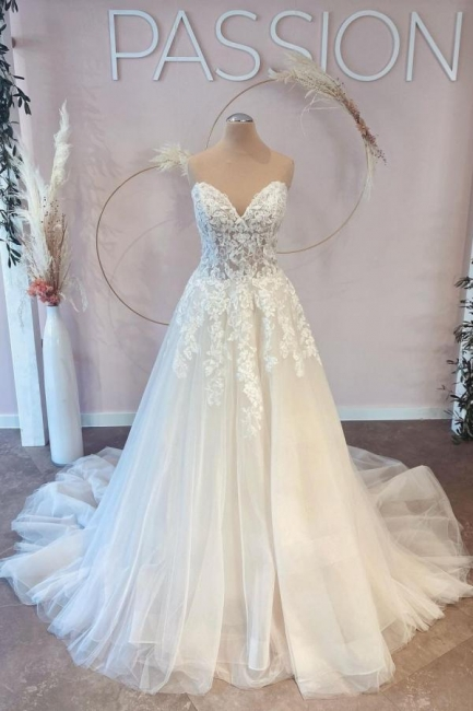Belles robes de mariée Une ligne en dentelle | Robes De Mariée Pas Cher En Ligne