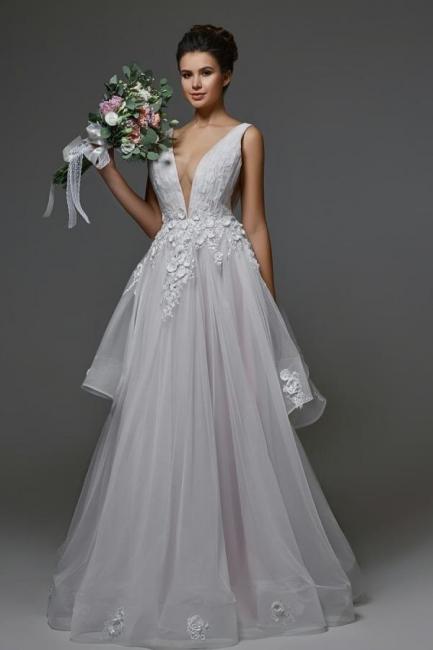 Belles robes de mariée Une ligne   Robes de mariée décolleté en V