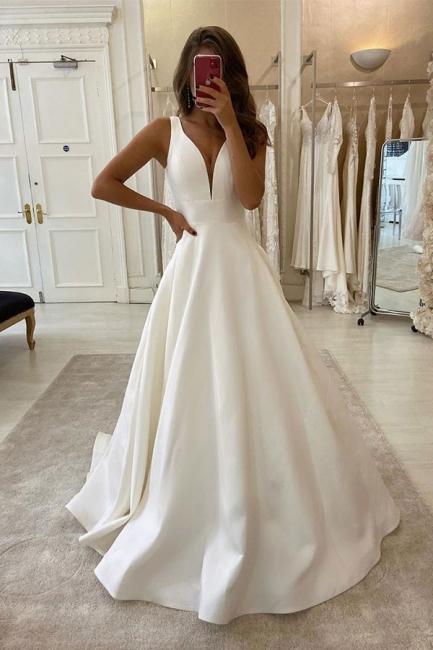 Robe de mariée design décolleté en V | Robe De Mariée A Ligne en ligne