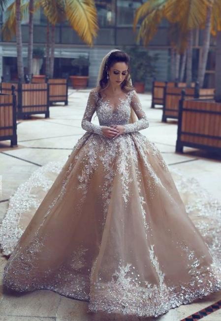 Forme Marquise Traîne mi-longue Col U profond Robes de mariée avec Perle