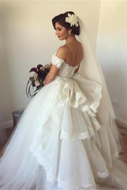 Forme Marquise Traîne moyenne Epaules nues Tulle Robes de mariée avec Ruches