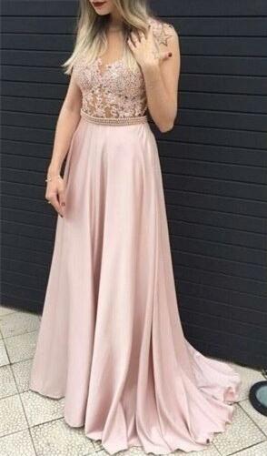 Forme princesse robe de soirée avec perle et dentlle bonne qualité longueur sol