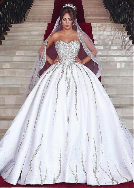 Forme Marquise Traîne moyenne Col en cœur Satin Robes de Mariée de Luxe Perle