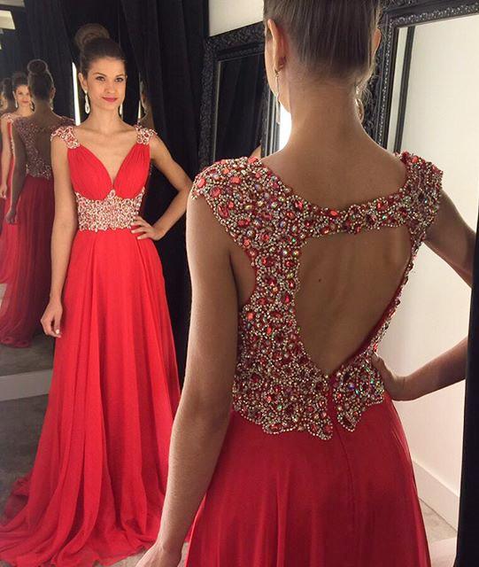 Forme Princesse Col en V Mousseline polyester alayage/Pinceau train Robes de soirée avec Perle