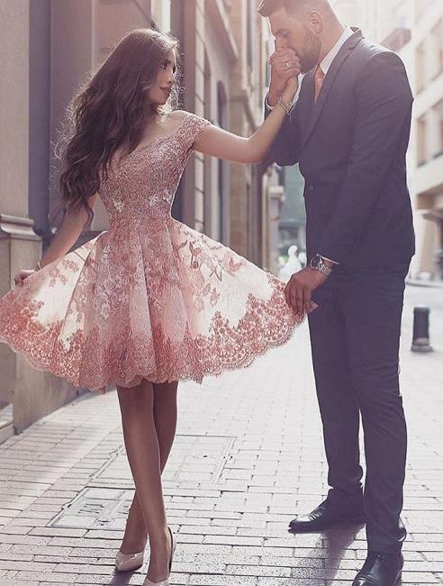 Forme princesse robe de cérémonie courte en dentelle exquis avec bretlle
