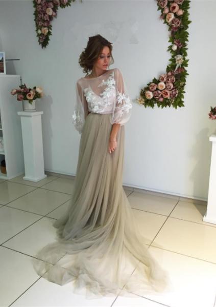 Chic robe de soirée tulle manche longue avec dentelle motif transparent