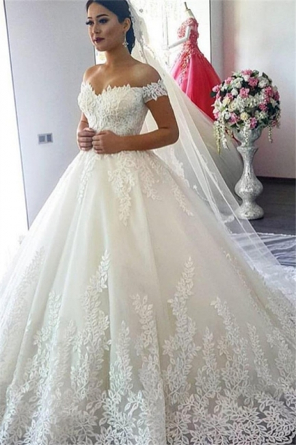 Forme Princesse Traîne mi-longue Col en cœur Dentelle Robes de mariée avec Appliques