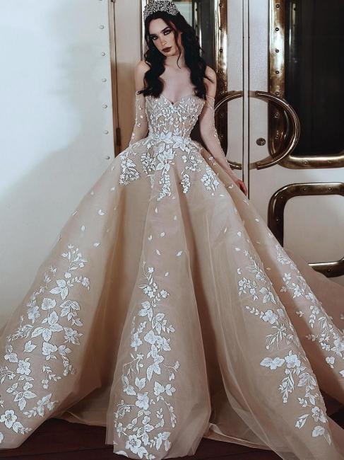 Robe de soirée princesse longue luxueuse avec fleurs épaules nues | robe de soirée cérémonie chic