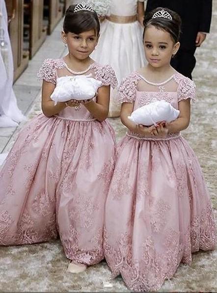 Forme Princesse Col Rond Manches Courtes Robe de Fillette Dentelle
