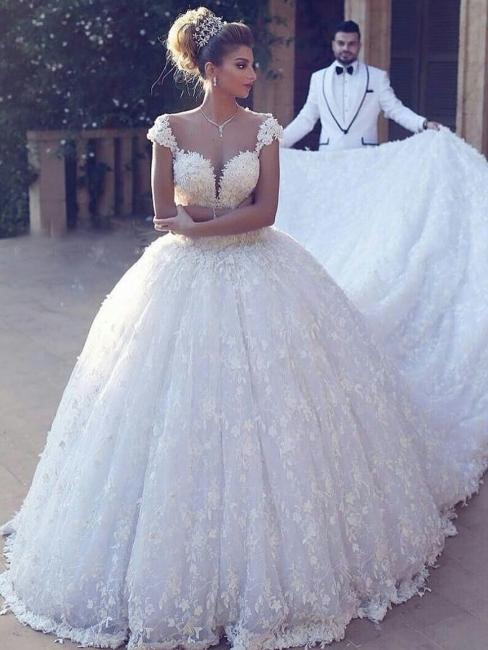 Robe de mariée princesse dentelle luxueuse traîne cathédrale avec appliques | Robe de mariage princesse longue élégante