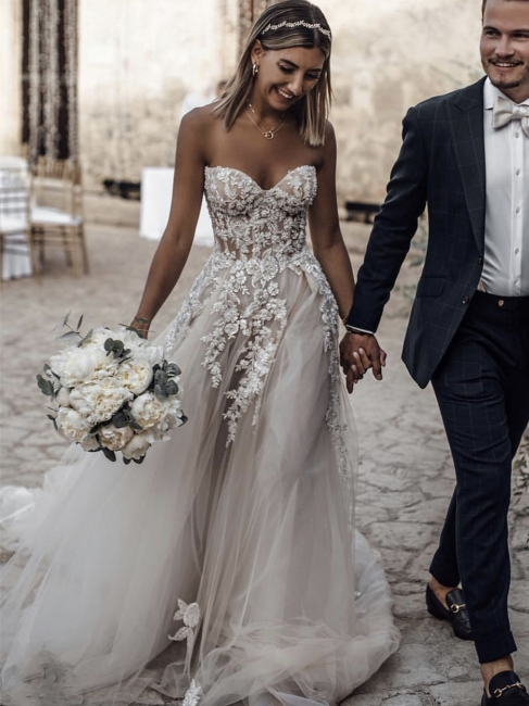 Robe de mariée A-ligne tulle épaules nues avec fleurs | Robe de mariage longue chic