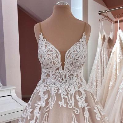 Robes de mariée de créateurs Une ligne | Robe de mariée décolleté V dentelle_5
