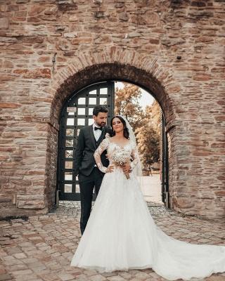 Robes de mariée élégantes à manches   Robes de mariée Une ligne en dentelle_6