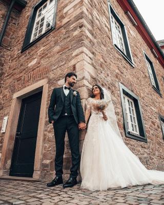 Robes de mariée élégantes à manches   Robes de mariée Une ligne en dentelle_5
