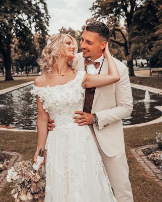 Robes de mariée de créateurs Une ligne de dentelle | Mode nuptiale en ligne_2
