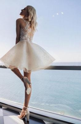 Robe de mariée courte élégante   Une robe de mariée en ligne avec de la dentelle_2