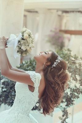 Forme princesse robe de mariée en dentelle délicat avec bretelle en broderie exquis longueur sol_4