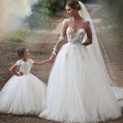 Forme Marquise Col U profond Tulle Traîne mi-longue Robes de mariée avec Appliques_2