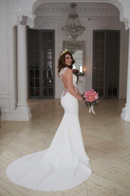 Forme fourreau robe de mariée en dentelle délicat dos nu transparente traine alayage_3