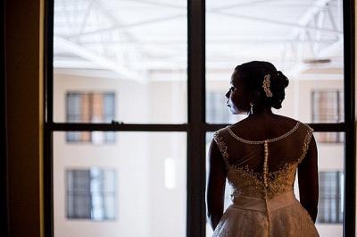 Forme Princesse Traîne moyenne Col U profond Dentelle Nouveau Robes de mariée A-ligne avec Perle_3